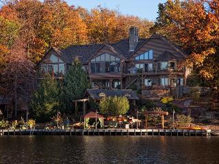 Lake Front Retreat and Resort - Bella Vista vacation rentals
