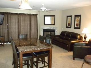 Free Nt Thru January 2017/ 2 Masters/ Main Channel - Osage Beach vacation rentals