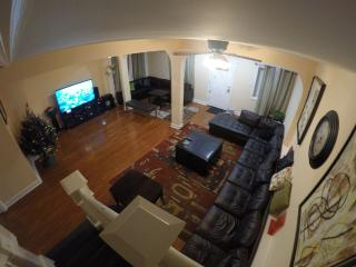 GREAT SUMMER HOUSE 1 block from Tropicano casino - Atlantic City vacation rentals