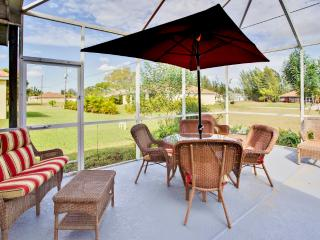 Elegant 4BR Recently Renovated Cape Coral House w/Wifi, Pool Table & Private Enclosed Pool - Spectacular Location Near the Beach! Easy Access to Golfing, Shopping, Dining & More! - Cape Coral vacation rentals