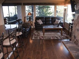 4 bedroom Condo with Deck in Stateline - Stateline vacation rentals