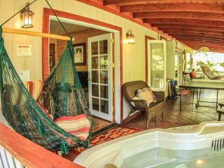 Alas Del Kealoha in Volcano Sleeps up to 10 with Hot Tub - Mountain View vacation rentals