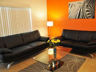 Modern 3 Bedroom Condo, Pet-Friendly, only 2 miles to Walt Disney - Kissimmee vacation rentals
