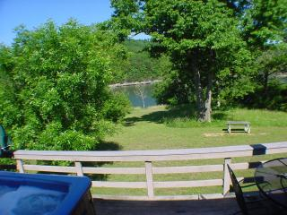 Six-Person Hot Tub, Lakeside, King Beds, Fireplace - Holiday Island vacation rentals