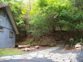 Secluded Pocono Mountains Vacation Rental - Kunkletown vacation rentals