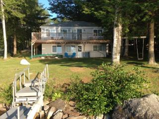 Updated 3BR Cabin on Maranacook Lake w/Private Dock, and Wrap Around Deck - Lakefront Living At Its Best! - Winthrop vacation rentals