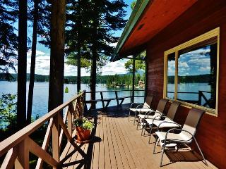 Scenic 4BR Waterfront Hayden Lake House w/Large Private Dock, Multiple Decks & Spectacular Lake Views - Near Golf Courses, Shopping & More! - Hayden vacation rentals