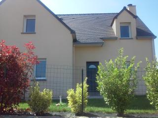 Nice House with Internet Access and Housekeeping Included - Pleurtuit vacation rentals