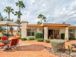 Beautifully Landscaped 2BR Fountain Hills Townhome w/Wifi, Huge Private Backyard & Heated Pool Access - Near Fountain Park, Numerous Golf Courses & Fort McDowell Casino! - Fountain Hills vacation rentals