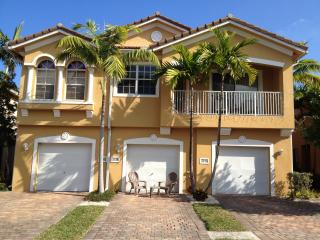 BEAUTIFUL TOWNHOUSE - Palm Beach vacation rentals