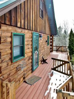 Quaint & Rural 5BR St. Albans Log Home w/Stone Fireplace, Wifi & Complete Privacy - Easy Access to Snowmobile Trails, Acadia Nat'l Park & Many Other Attractions! - Saint Albans vacation rentals