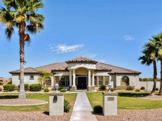 Custom-Built 4BR Goodyear House w/Private Tennis Court, Wifi, Huge Patio & Mountain Views - Close to Golf, Baseball Spring Training, Hiking & More! - Goodyear vacation rentals