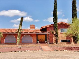 New Listing! Gorgeous 3BR Tucson Adobe House on 2 Acres w/Private Sparkling Pool & Wonderful Mountain Views - Near Shops, Restaurants, Saguaro Nat'l Park & More! - Tucson vacation rentals