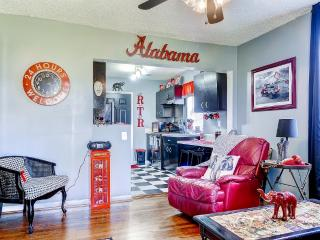 2 bedroom Apartment with Internet Access in Tuscaloosa - Tuscaloosa vacation rentals