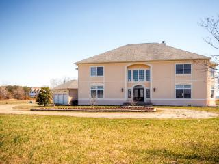 Impressive 3BR Stevensville House Overlooking Eastern Shore w/Wifi, Private Swimming Pool & Game Room - Minutes From the Beach, Golfing & More! - Stevensville vacation rentals