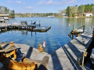 Spacious 3BR Waterfront Townhouse on Lake Martin w/Wifi, Deck & Private Dock - Close Proximity to Auburn University & Talladega Superspeedway! - Jacksons Gap vacation rentals