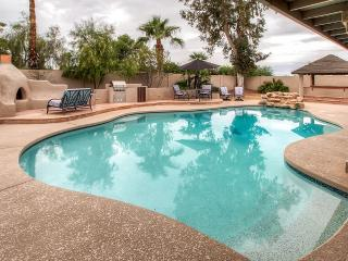 Impressive 4BR Phoenix Home near Mountain Preserve w/Peaceful Atrium, Private Swimming Pool & Jacuzzi - Centrally Located for Ea - Phoenix vacation rentals