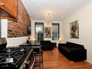 Modern 2 Bedroom in Lower Manhattan - Manhattan vacation rentals