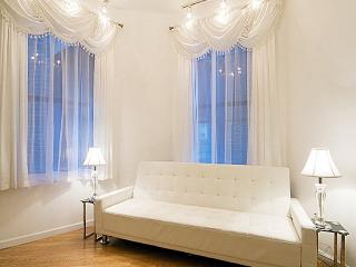 Times Square Gorgeous 3 Bedroom - Manhattan vacation rentals