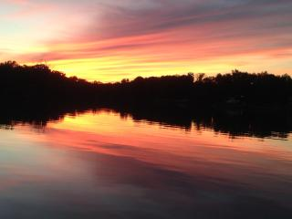 Relaxing, Fun, Dog-Friendly Waterfront Cottage - Churchton vacation rentals