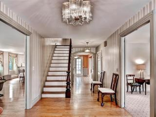 Elegant & Unique 5BR Norwich House Overlooking Chelsea Parade w/Gorgeous Ballroom, Library & Pool Table - Near Museums, Golf & Many Area Attractions! - Norwich vacation rentals