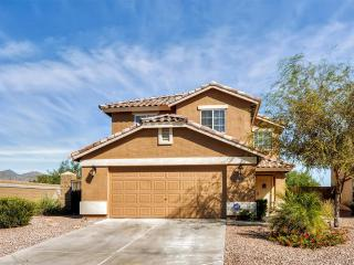 Contemporary 4BR Buckeye House at Sundance Development w/Wifi, Private Heated Pool, Office Nook & Great Mountain Views - Close to Golf, Shopping, Spring Training, Downtown Phoenix & More - 30 Minutes to Sky Harbor! - Buckeye vacation rentals