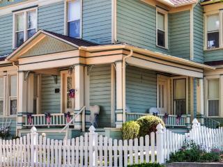 Stately & Historic 5BR Prescott House w/Wifi, Private Porch & Elegant Furnishings - Only 2 Blocks from Prescott Town Square & Whiskey Row! - Prescott vacation rentals