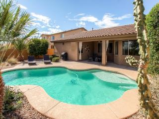 Beautifully Appointed 3BR Surprise Home w/Private Heated Pool, Gas Grill, Covered Patio & Upgraded Kitchen - Great Location Near Golf Courses, Surprise Stadium & More! - Surprise vacation rentals