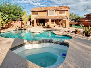 New Listing! Dazzling 3BR Cave Creek House at Tatum Ranch Golf Club w/Wifi, Private Pool, Outdoor Kitchen & 9-Hole Putting Green - Minutes to PGA, Sports Venues & Old Car Auction! - Cave Creek vacation rentals