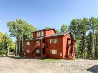 Enjoyable 2BR Beaver Condo w/Beautiful Mountain Views - Ski-in/Ski-Out Access at Eagle Point Ski Resort! - Junction vacation rentals
