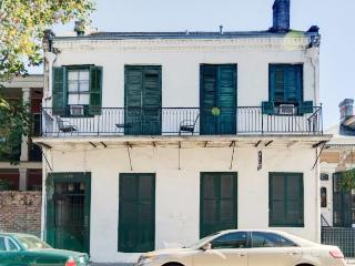 Charmingly Historic 2BR New Orleans Condo w/Wifi, Fully Stocked Kitchen & Large Shaded Courtyard - Unbeatable Bourbon St. Location! Walk to Endless French Quarter Attractions! - New Orleans vacation rentals