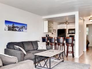 Upscale 3BR Park City Condo w/Modern Decor, Wifi & Gorgeous Views  - Prime Location, Only 100 Yards from the Base of Park City Mountain Resort! - Park City vacation rentals
