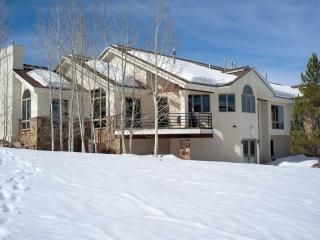 Spacious 4BR Steamboat Springs House Just Above Rita Valentine Park - Perfect for Large Groups & Families - Steamboat Springs vacation rentals