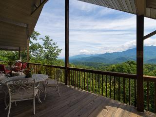 "Stay at ""Kindred Spirits""- A Spacious 4BR Gatlinburg Chalet w/ Private Heated Indoor Pool, Theatre & Views of the Smoky Mountains - The Ideal Country Retreat! - Gatlinburg vacation rentals"