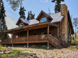 Beautiful 3BR + Loft Virgin Cabin Above Zion National Park w/ WiFi, Large Private Deck & Gorgeous Views - Near Hiking, ATV Trails & Kolob Reservoir! - Virgin vacation rentals
