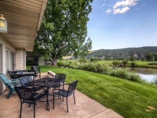 Cozy 2BR Carbondale Condo w/ Private Patio on Golf Course! - Carbondale vacation rentals