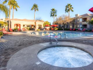 Beautiful Ground-Floor 1BR Corner Unit! Steps away from Heated Pool and Hot Tub. Mesa Condo in the Luxury Solana Community w/Private Patio, Wifi & Resort Amenities - Mesa vacation rentals