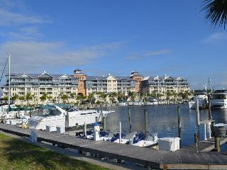 Beach-side KING Studio-SUITE,at Private Beach, U-508, Tampa Bay - Apollo Beach vacation rentals