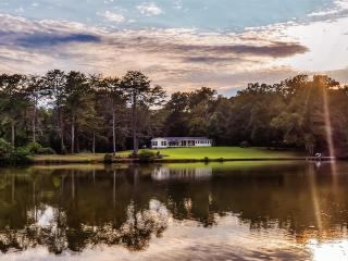 Private 40-Acre lake!! 4BR LaFayette Cabin, Nice Porch & Scenic Trails on Property - Great for Events, Large Gatherings and for Hunting & Fishing, Easy Access to Golf and Historic Sites - LaFayette vacation rentals