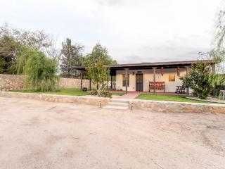 Alluring 1BR Mesilla Casita w/Covered Porch, Beautiful Decor & All the Comforts of Home - Walk to the Plaza! 45 Minutes from Ruidoso & El Paso - Mesilla vacation rentals