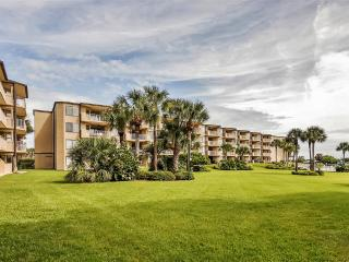'Sandy Feet' Clean & Updated 3BR St. Augustine Beach Condo w/Wifi, Private Patio, Ocean Views & Pool Access - Steps to the Beach! Close to Downtown Dining, Shops & Attractions - Saint Augustine Beach vacation rentals