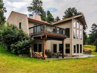 Exceptional 3BR Golden House at Lookout Mountain w/Wifi, Gourmet Kitchen & Serene Forest Views - Easy Access to Hiking Trails, Skiing & Outdoor Recreation! - Golden vacation rentals
