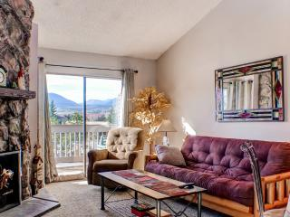 Lovely Recently Renovated 1BR Fraser Condo w/Wifi, Cozy Fireplace, Private Balcony & Breathtaking Mountain Views - Minutes from Ski Slopes, Hiking/Biking Trails, Shops & More! - Fraser vacation rentals