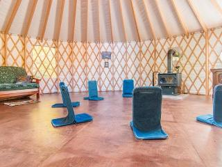 1 bedroom Yurt with Television in Lac-Beauport - Lac-Beauport vacation rentals