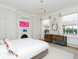 Gorgeous 2 Bedroom at Wimbledon Village in London - London vacation rentals