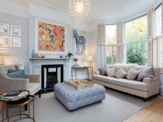 A beautiful three-bedroom family home next to Clapham Common. - London vacation rentals