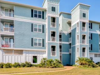 Darling 2BR Galveston Condo w/Beach Club Access, Private Balcony & Marvelous Bay/Wetland Views - Close to Beaches, Freeport, Schlitterbahn, Shopping & Major Attractions! - Galveston vacation rentals