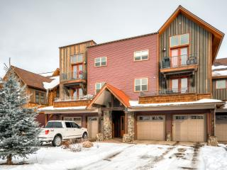 Brand New 3BR Pagosa Springs Townhome w/Heated Garage, Mountain Views & Wifi - Walk to Pagosa Hot Springs, Yamaguchi Park, Folk n' Bluegrass Festival & Restaurants! - Pagosa Springs vacation rentals