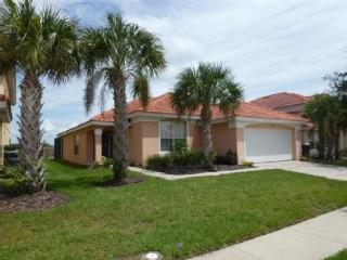 Affordable 4 bedroom vacation home with pool in Davenport, just minutes from Walt Disney World. - Davenport vacation rentals