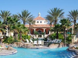 Stay in Regal Palms and swim in the fantastic resort pool just 9 miles to Walt Disney World. - Davenport vacation rentals